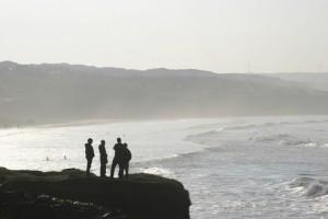 silohuettes-at-the-beach-1316614-639x426
